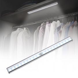 Garderobe, skap LEDlys med magnetfestre batteri og sensor