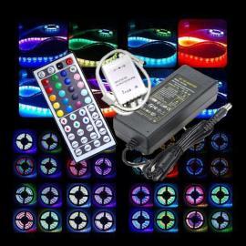 SUPERTILBUD .. !!! RGB LED Stipe 5m pakkeløsning 14,4W pr meter